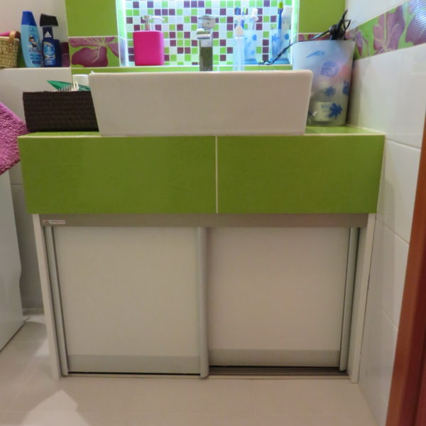 Vstavaná skrinka pod umývadlo